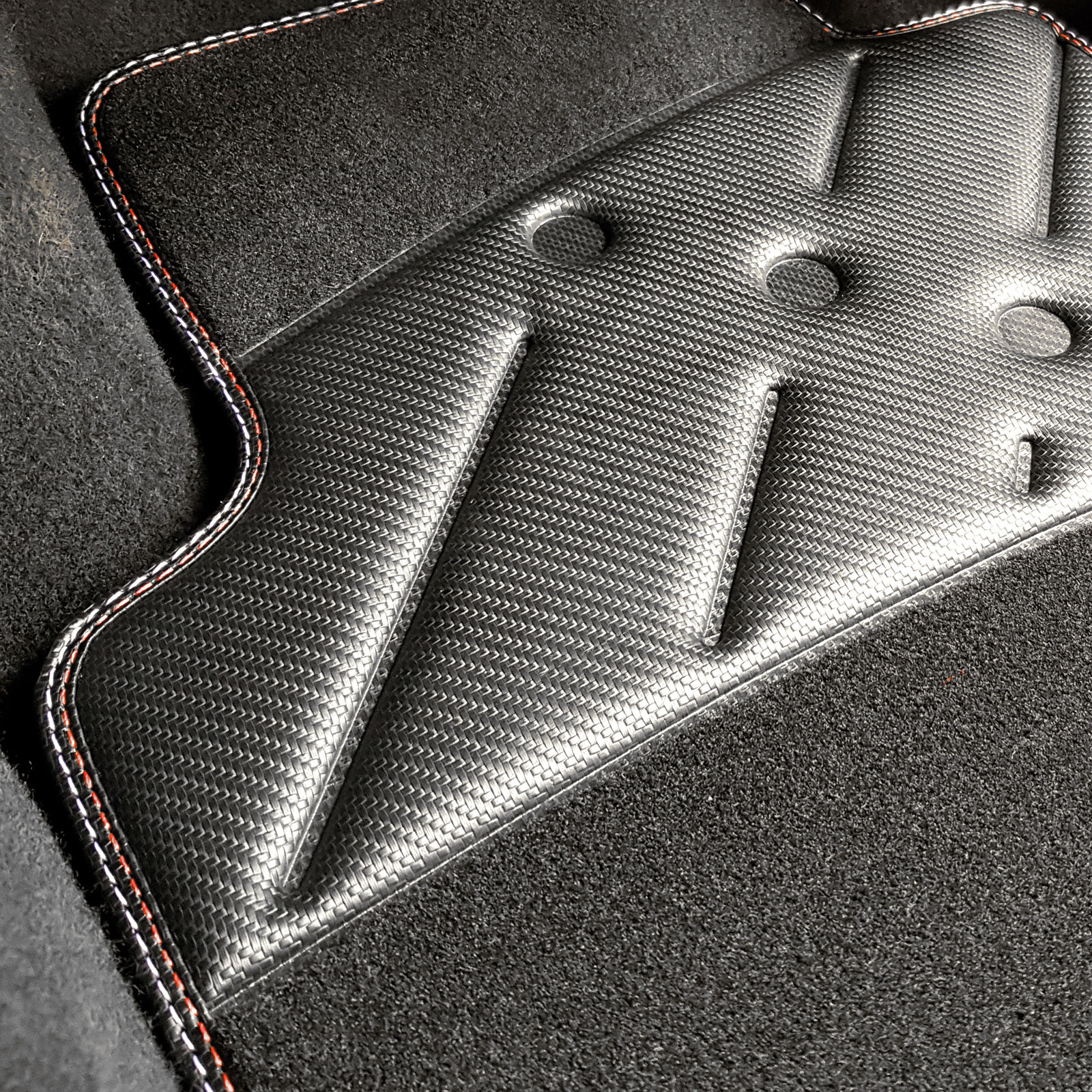 Car-Mats-for-Nissan-QX-1995-2000-Black-Grey-Carbon-Mats